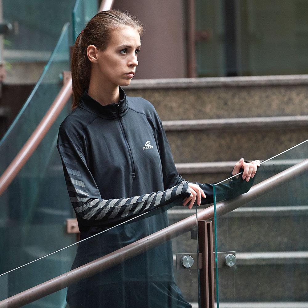 【ZEPRO】女子立領拉鏈斜邊反光運動長袖上衣-黑